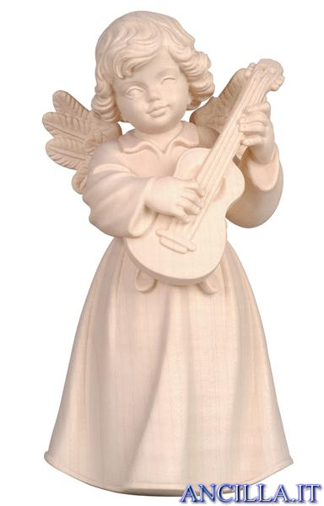 Angelo campana in piedi con chitarra