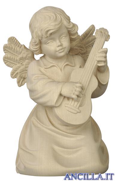 Angelo campana inginocchiato con chitarra