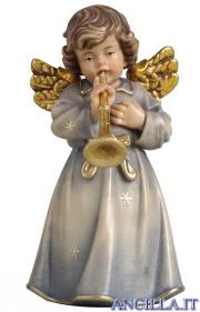 Angelo campana in piedi con tromba