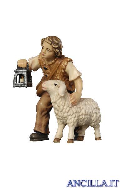 Bambino con pecora e lanterna Kostner serie 12 cm