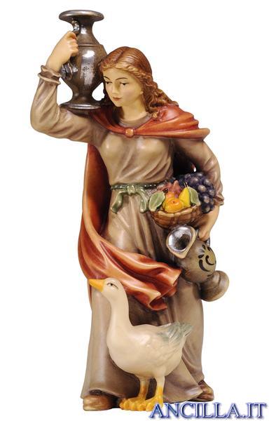 Donna con brocca Kostner serie 20 cm