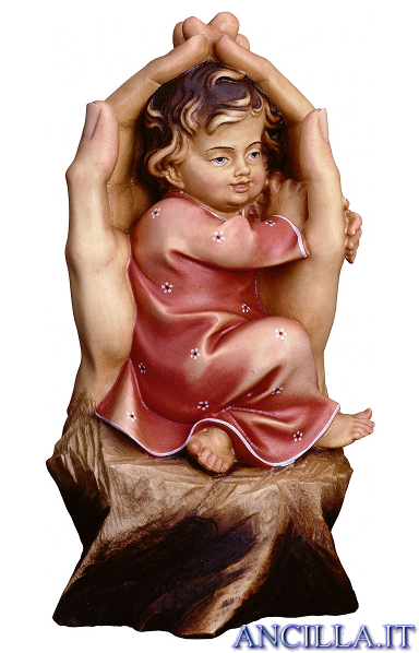 Mani che proteggono bambina