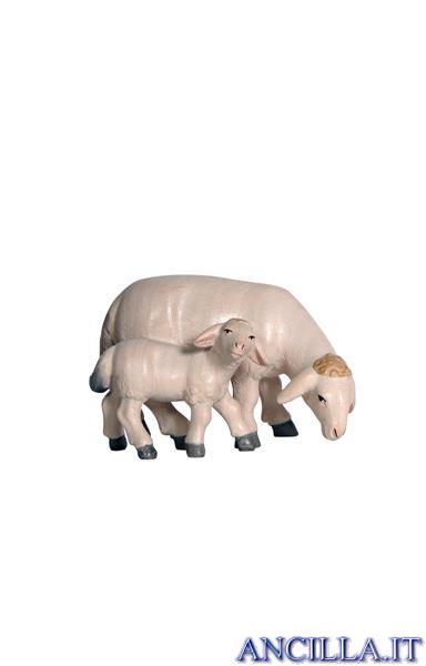 Pecora che mangia con agnello Pema serie 12 cm