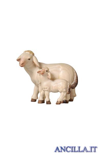 Pecora con agnello in piedi Pema serie 9 cm