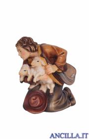 Pastore inginocchiato con due agnelli Kostner serie 25 cm