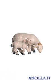 Pecora che mangia con agnello Pema serie 23 cm