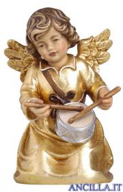 Angelo campana inginocchiato con regalo